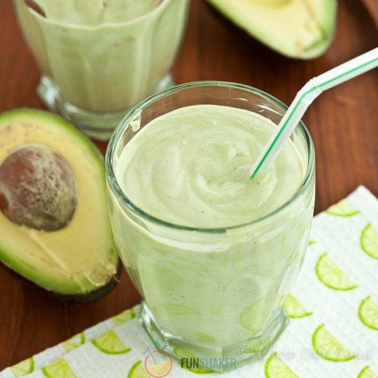авокадо с молоком