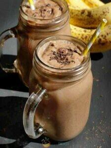 Коктейль с какао, дыней и бананом