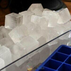 Добавить лёд или воду для консистенции