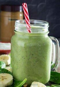 Кефирный коктейль с зеленью