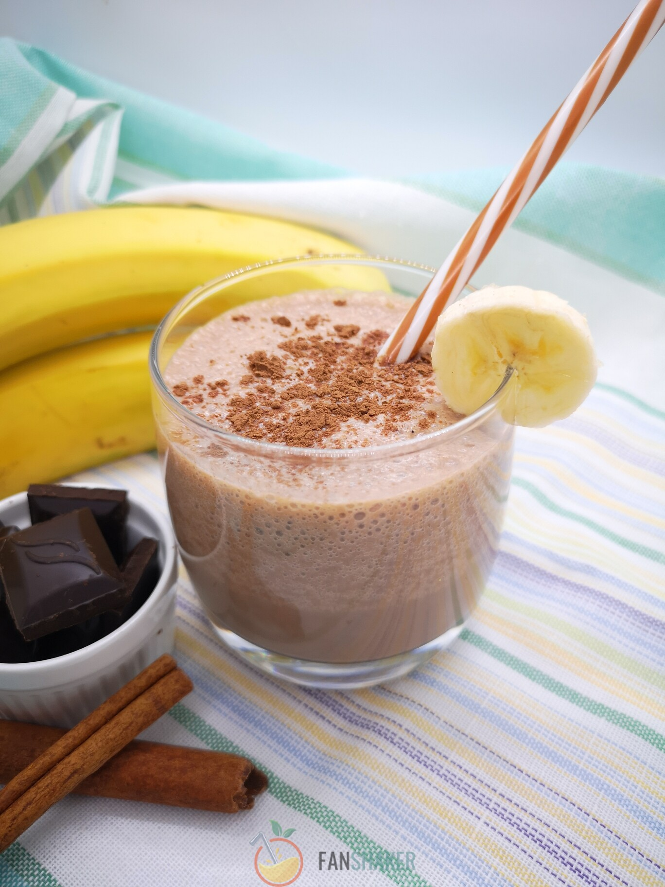 бананово шоколадный смузи