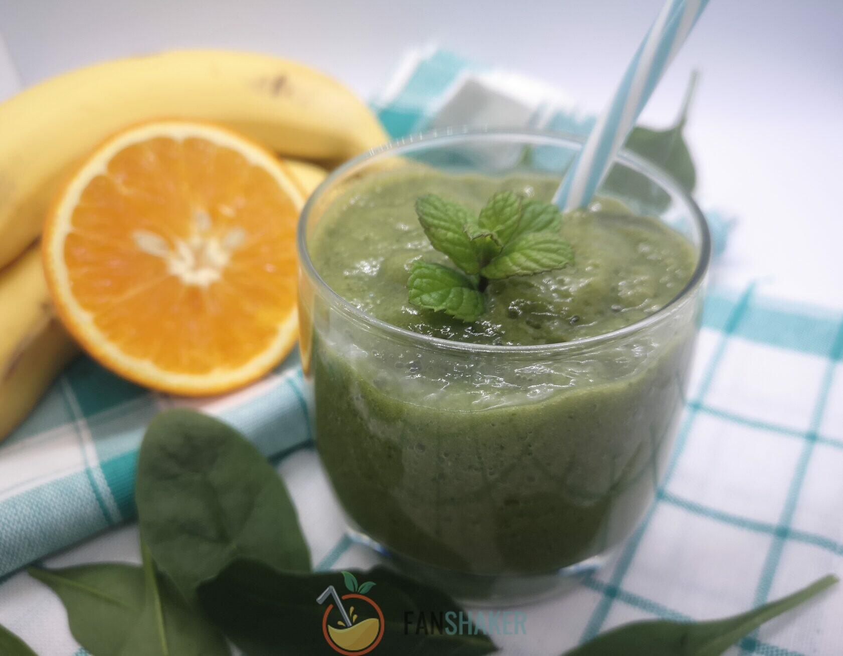 фруктово-огуречный смузи со шпинатом