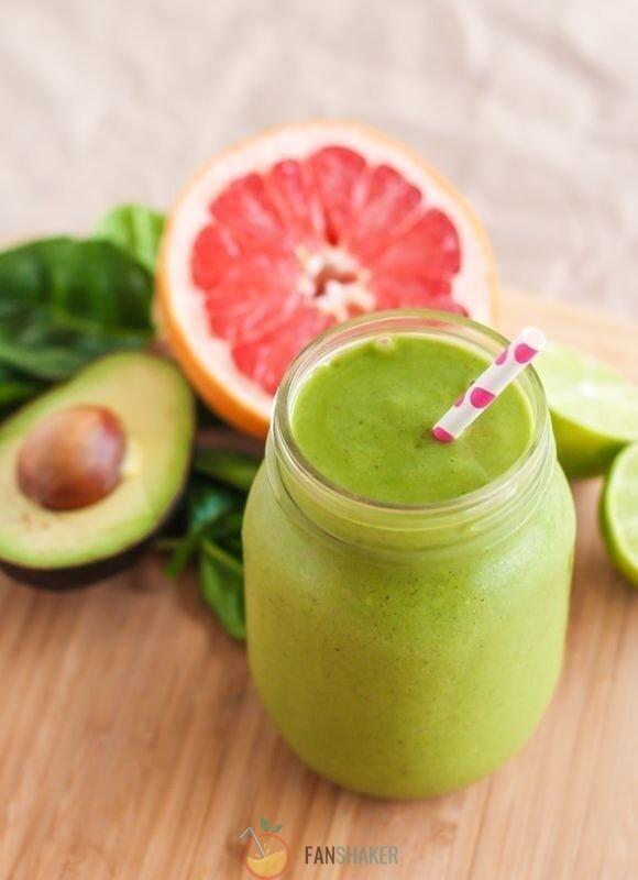 Смузи авокадо с грейпфрутом