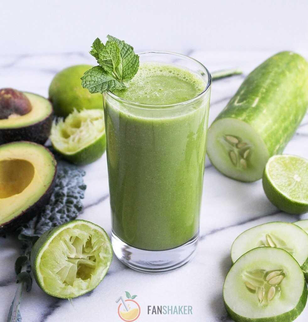 Смузи авокадо + зелень